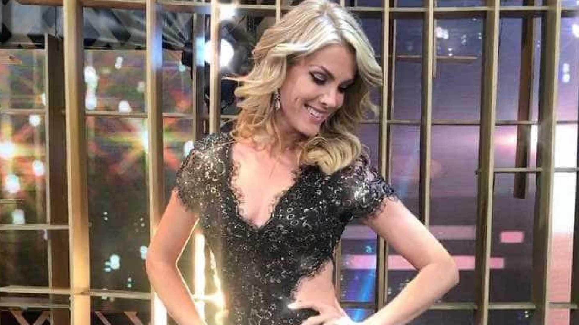 ana hickmann - Ana Hickmann rebate internauta que criticou look: 'Não tenho bunda'