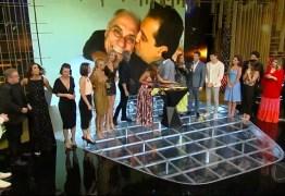 Artistas da Record se emocionam durante homenagem da emissora para Marcelo Rezende
