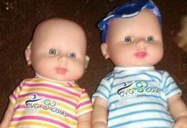 VEJA VÍDEO: Prefeituras distribuem bonecas com pênis e pais se revoltam