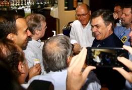 Durante eleição de Alckmin para a presidência do PSDB Cássio garante vaga na executiva do partido