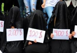 """""""Alguém tinha que contar essas histórias"""": as provações de uma escrava sexual do Estado Islâmico"""