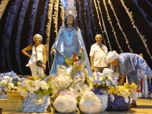 iemanja oferendas 300x225 - Cortejo celebra dia de Iemanjá em João Pessoa