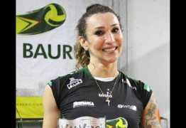 Trans da Superliga sonha com a seleção e diz que mãe erra nome dela