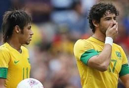 Neymar e Pato trocam provocações pelo instagram