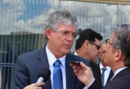 Caso Ferreira Costa: Ricardo rechaça nota da PMJP e reforça convite a Cartaxo para discutir embargo