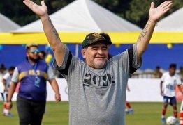 Maradona diz: 'Eu teria mais Bolas de Ouro que Cristiano Ronaldo e Messi'