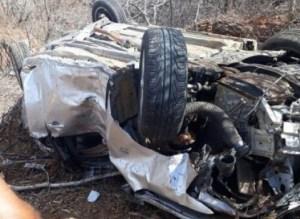 201801120442030000004076 300x219 - Acidente deixa um morto e três feridos em capotamento no Sertão do estado