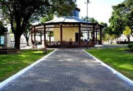 Pavilhão do Chá recebe exposição com desenhos e pinturas de cordel