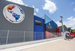 Luciano Cartaxo vistoria Escola Bilíngue e anuncia entrega para segunda-feira