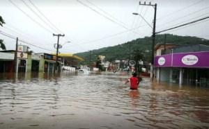 Capturar 15 300x186 - Santa Catarina registra três mortes e reforça estado de alerta