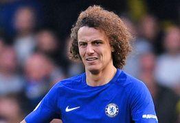 David Luiz é oferecido ao Barcelona, mas time descarta contratar brasileiro