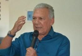 BATERIAS RECARREGADAS: Zé Aldemir retorna anunciando piso dos professores e Casa de Apoio; VEJA VÍDEO