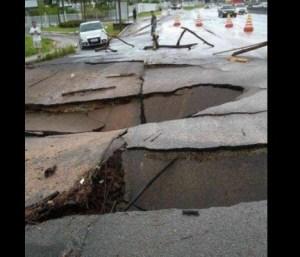 asfalto 300x257 - Santa Catarina registra três mortes e reforça estado de alerta