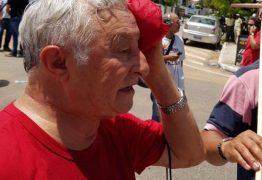 VÍDEO E FOTOS – Frei Anastácio é atingido com bala de borracha durante manifestação em frente a sede da Justiça Federal em JP