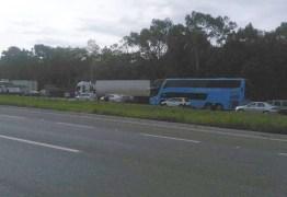 MST interdita trechos de estradas na Paraíba