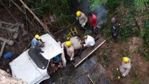 naom 5a57a3742a69c 300x169 - Menino de 6 anos salva vida de avô após veículo cair em rio