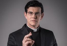 Padre Reginaldo Manzotti desabafa sobre rumor de ter engravidado jovem
