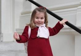 Família real posta fotos do primeiro dia de aula da princesa Charlotte