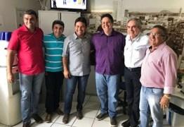 Em Patos, Lira participa de atividades administrativas e políticas e volta a defender a união das oposições