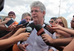 Ricardo autoriza adutora, entrega unidade de saúde e participa de plenária do OD