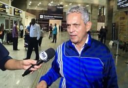 Rueda chega ao Rio e diz que notícias sobre acerto com o Chile são precipitadas