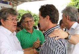 Veneziano é saudado como Senador em evento ao lado do Governador Ricardo; VEJA VÍDEO