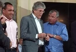 Trócolli comemora convênio para a construção de 27 escolas na Paraíba