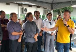 Aguinaldo Ribeiro participa de inauguração de Centro Cirúrgico do Hospital de Esperança