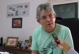 PANE: Avião de Ricardo Coutinho enfrenta problemas e faz pouso forçado