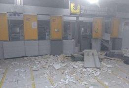 BANCOS SEM SEGURANÇA:  Quadrilha fortemente armada explode mais uma agência bancária na Paraíba nesta segunda-feira – VEJA VÍDEO