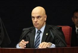 Alexandre de Moraes declara greve dos caminhoneiros ilegal e concede liminar ordenando desbloqueio das rodovias