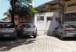 Policial reformado é preso acusado de roubar celulares em falsa blitz