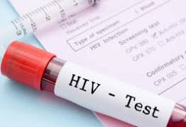 Curandeiro indiano infecta quase 50 pessoas com HIV