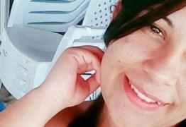 Jovem morre ao utilizar escova elétrica de cabelo