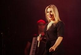 PERDA DE PESO: Naiara Azevedo impressiona com 'antes e depois'