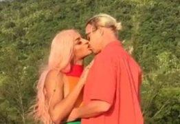 'TÉCNICO NADA!' Pabllo Vittar diz que beijo com Diplo foi 'o melhor da vida'