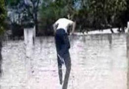 Assaltante quebra o pescoço ao escalar muro de casa