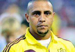 Ex-jogador Roberto Carlos move ação de despejo contra os filhos