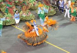 Notas das escolas de samba do Grupo Especial chegam ao Anhembi com escolta da PM