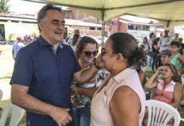 Prefeitura de João Pessoa entrega títulos de posse a 79 famílias da Comunidade Vila Mangueira