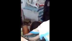 Capturar 17 300x169 - VEJA VÍDEO: ladrão se esconde em carrinho de bebê para fugir da PM mas acaba se dando mal