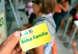 Bolsa Família amplia inscritos em 3 anos e contradiz discurso sobre o 13°