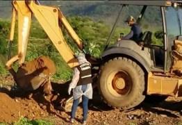 Peritos encontram cachorros mortos na chacina de Igaracy enterrados em lixão