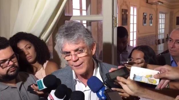 governador - 'EU NÃO ME PREOCUPO COM QUEM VAI SER CANDIDATO CONTRA A GENTE', dispara Ricardo Coutinho sobre oposição