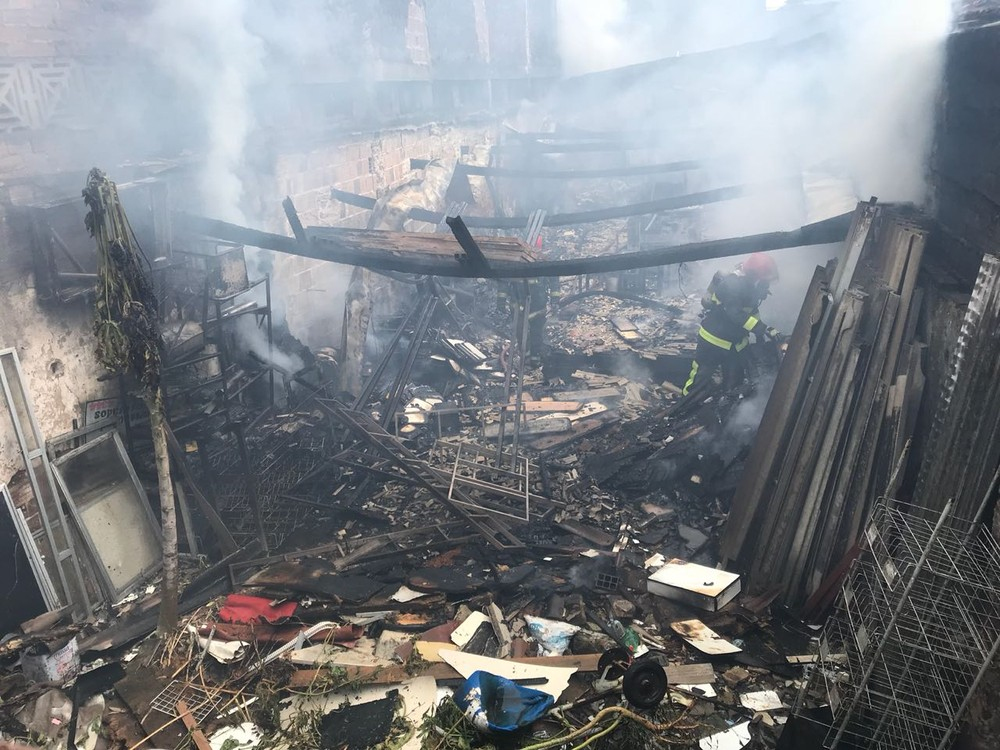 incendio varadouro joao pessoa - Incêndio destrói loja de móveis no Centro de João Pessoa