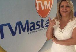 Câmara de veradores concede voto de aplausos a jornalista Nena Martins por sua estreia na TV Master