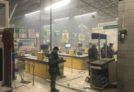 MAIS UM: Quadrilha explode caixa eletrônico de hipermercado em Campina Grande