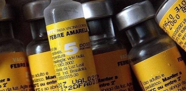 populacao tem dificuldade para encontrar vacinas contra a febre amarela em clinicas privadas 1516004856629 615x300 - Grupo rouba caminhão com 90 mil doses de vacinas avaliado em 1,5 milhão de reais