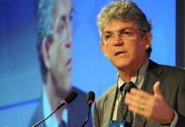 Ricardo nomeia ex auxiliar de serviços gerais como secretária do Desenvolvimento Humano