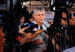 Ricardo Coutinho entrega reforma de escola, pavimentação e sinalização do Porto de Cabedelo